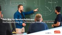 Berufsschullehrer erläuert technische Zeichnung an Tafel