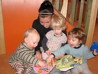 Unterstützung der ErzieherInnen bei der Arbeit mit den Kindern