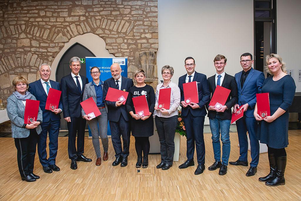 Gruppenbild der Preitsrägerinnen und Preisträger